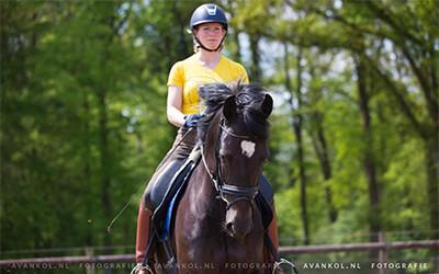 2 oefeningen voor als je paard strak is op rechts